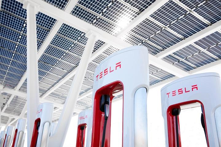 © Tesla 2020